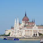 ブダペストで沈没。